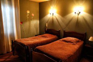 chambre double à l'hotel La Bombardiere