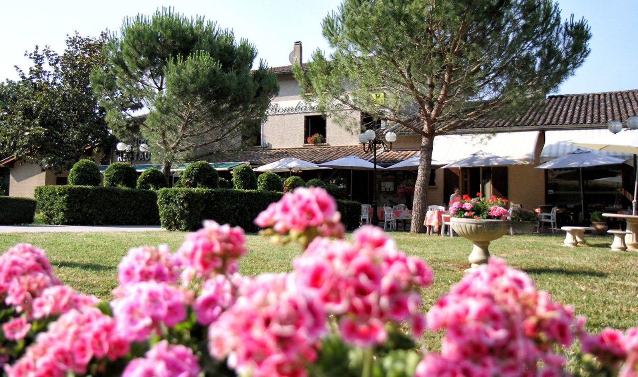 Les jardins de l'hôtel à 30 min de Castres