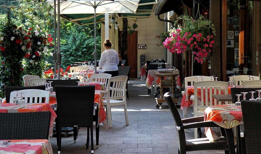 La terrasse du restaurant La Bombardière